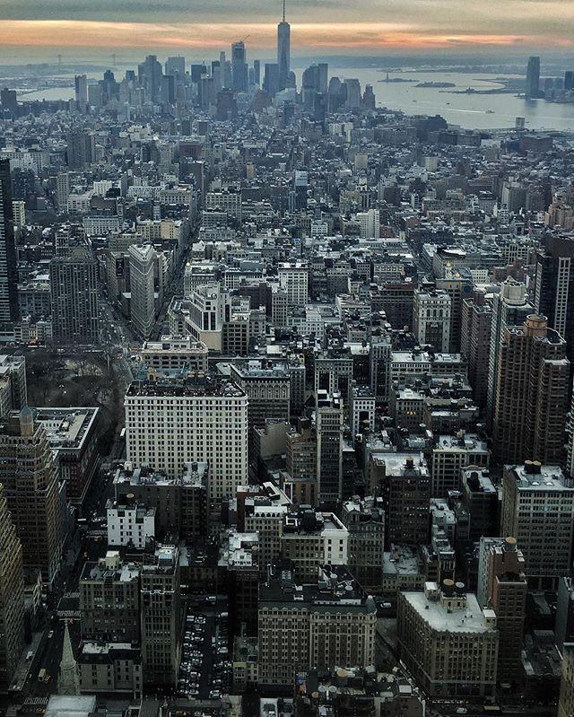 #CarpeDiem . . #citykillerz #nycprimeshot #streetdreamsmag #artofvisuals #heatercentral #urbanandstreet #way2ill #justgoshoot #instamagazine_ #moodygrams #instagoodmyphoto #urbanromantix #newyork_instagram #streetmobs #illgrammers #agameoftones #visualsgang #weareoriginators #shoot2kill #hsdailyfeature #killeverygram #huffpostgram #createyourhype #exklusive_shot