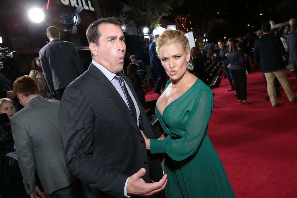 Dumb-and-Dumber-To-LA-Premiere-Red-Granite-Pictures-Dumb-To-11.03.14-26.jpg