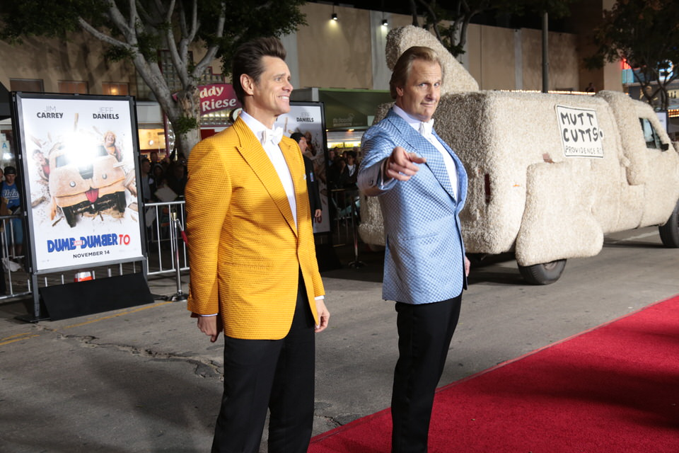 Jim-Carrey-Jeff-Daniels-Dumb-and-Dumber-To-LA-Premiere-Red-Granite-Pictures-Dumb-To-11.03.14-6.jpg