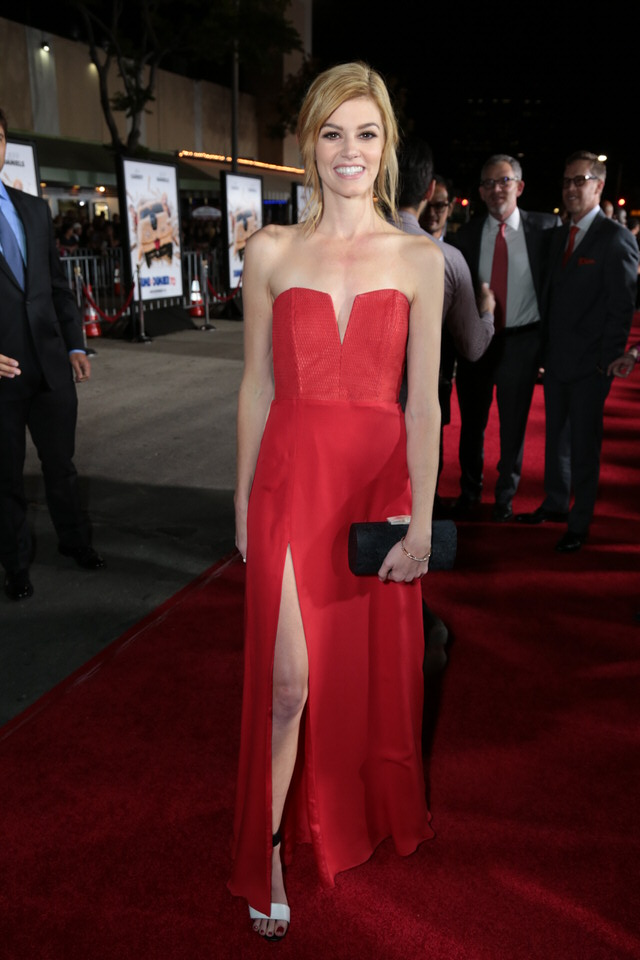 Rachel-Melvin-Dumb-and-Dumber-To-LA-Premiere-Red-Granite-Pictures-Dumb-To-11.03.14-9.jpg