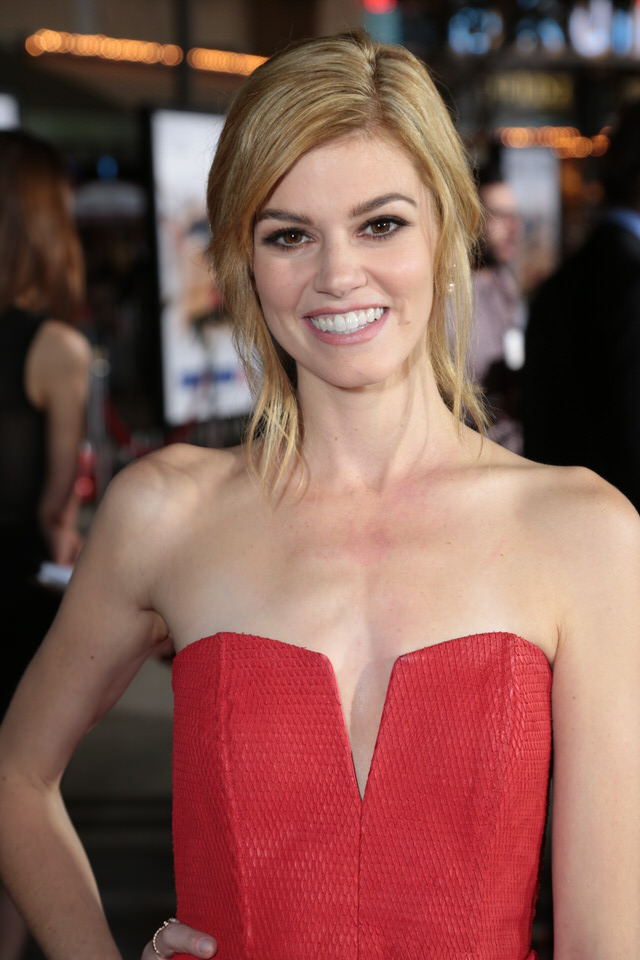 Rachel-MelvinDumb-and-Dumber-To-LA-Premiere-Red-Granite-Pictures-Dumb-To-11.03.14-10.jpg