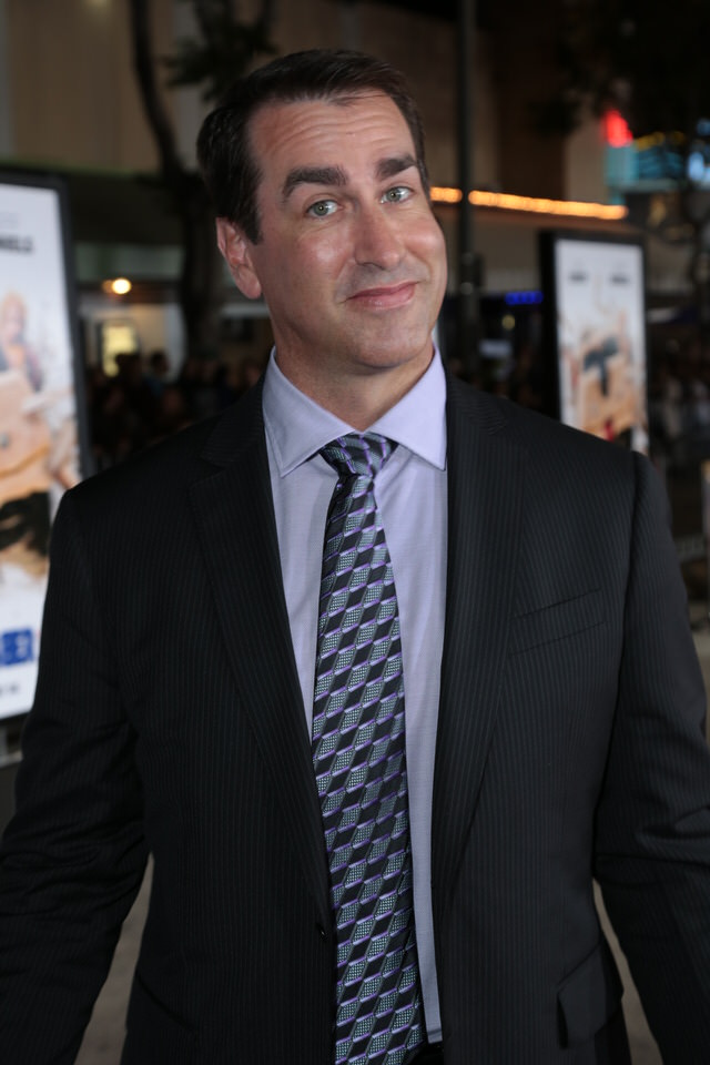 Rob-Riggle-Dumb-and-Dumber-To-LA-Premiere-Red-Granite-Pictures-Dumb-To-11.03.14-15.jpg