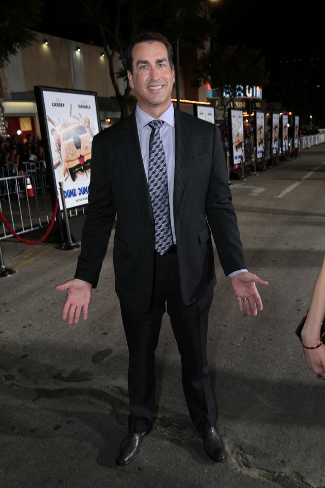 Rob-Riggle-Dumb-and-Dumber-To-LA-Premiere-Red-Granite-Pictures-Dumb-To-11.03.14-14.jpg