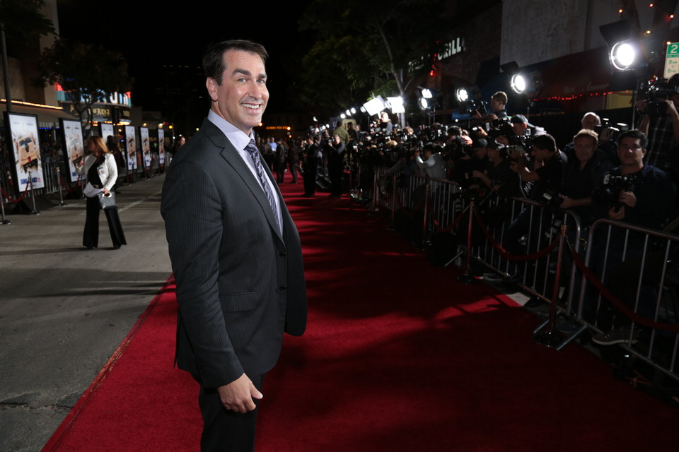 Rob-Riggle-Dumb-and-Dumber-To-LA-Premiere-Red-Granite-Pictures-Dumb-To-11.03.14-21.jpg