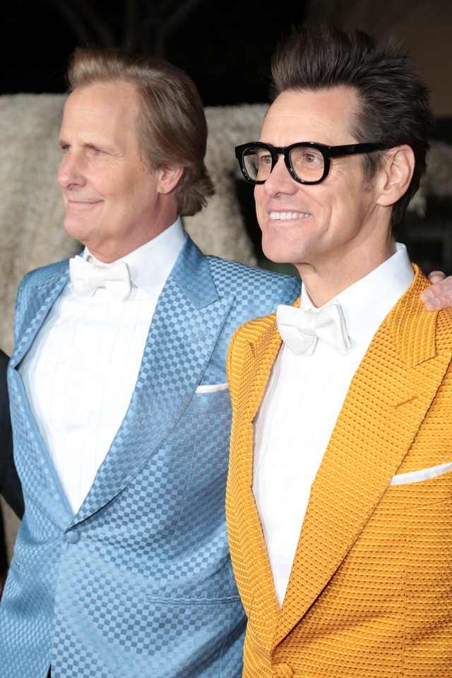 Jim-Carrey-Jeff-Daniels-Dumb-and-Dumber-To-LA-Premiere-Red-Granite-Pictures-Dumb-To-11.03.14-44.jpg