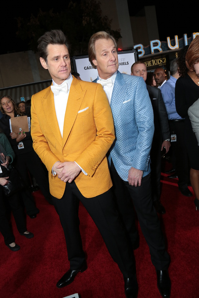 Jim-Carrey-Jeff-Daniels-Dumb-and-Dumber-To-LA-Premiere-Red-Granite-Pictures-Dumb-To-11.03.14-51.jpg
