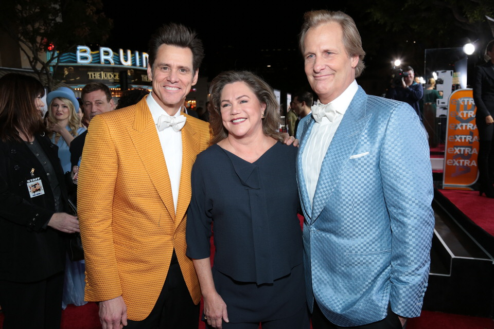 Kathleen-Turner-Jim-Carrey-Jeff-Daniels-Dumb-and-Dumber-To-LA-Premiere-Red-Granite-Pictures-Dumb-To-11.03.14-60.jpg