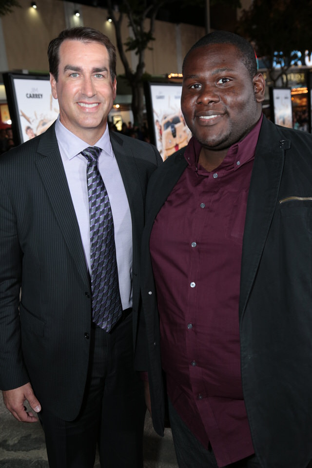 Rob-Riggle-Dumb-and-Dumber-To-LA-Premiere-Red-Granite-Pictures-Dumb-To-11.03.14-38.jpg