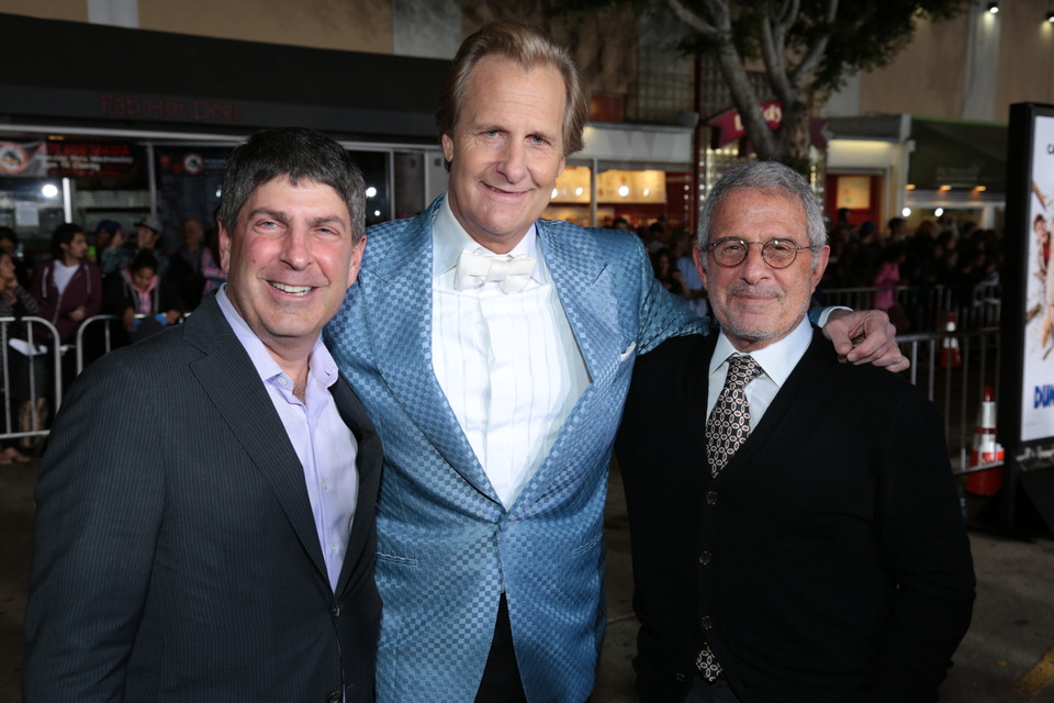 Jeff-Daniels-Dumb-and-Dumber-To-LA-Premiere-Red-Granite-Pictures-Dumb-To-11.03.14-100.jpg