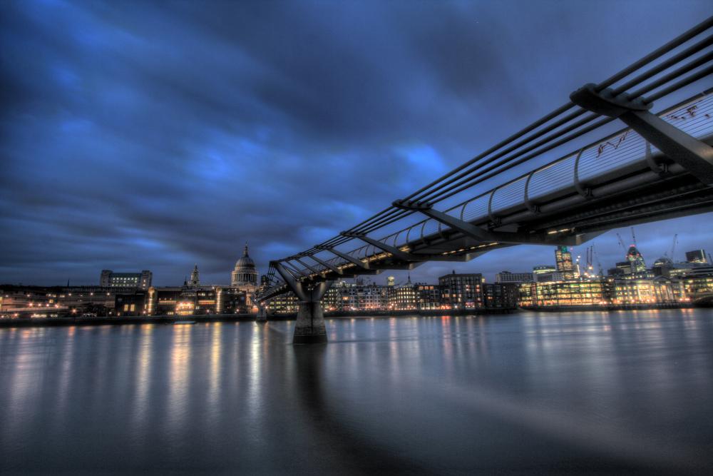 a-Millenium Bridge.jpg