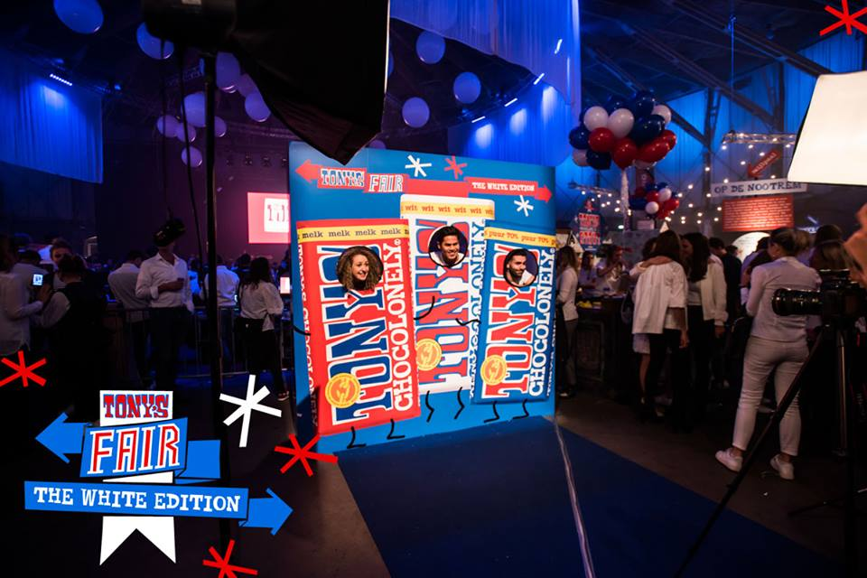 photo 'booth' (Facebook event Fair) .jpg