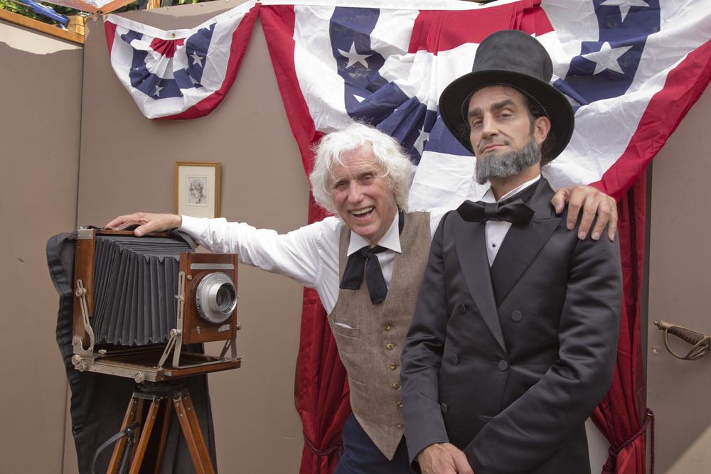 Douglas & Lincoln (Douglas Kirkland with Eric Vesbit)