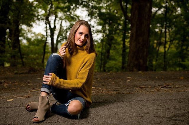 🍁🍂#portraitphotography #portrait #portraits #fall #fallfashion #brush618 @katielmans @brush618