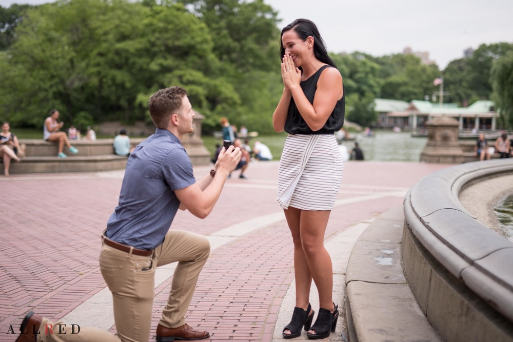 Suprise-Proposal-wedding-new-york-allred-studio-destination-wedding-photographer-new-jersey-hudson-valley-central-park-0190.jpg