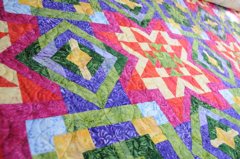 holly quilt for melinda site.jpg