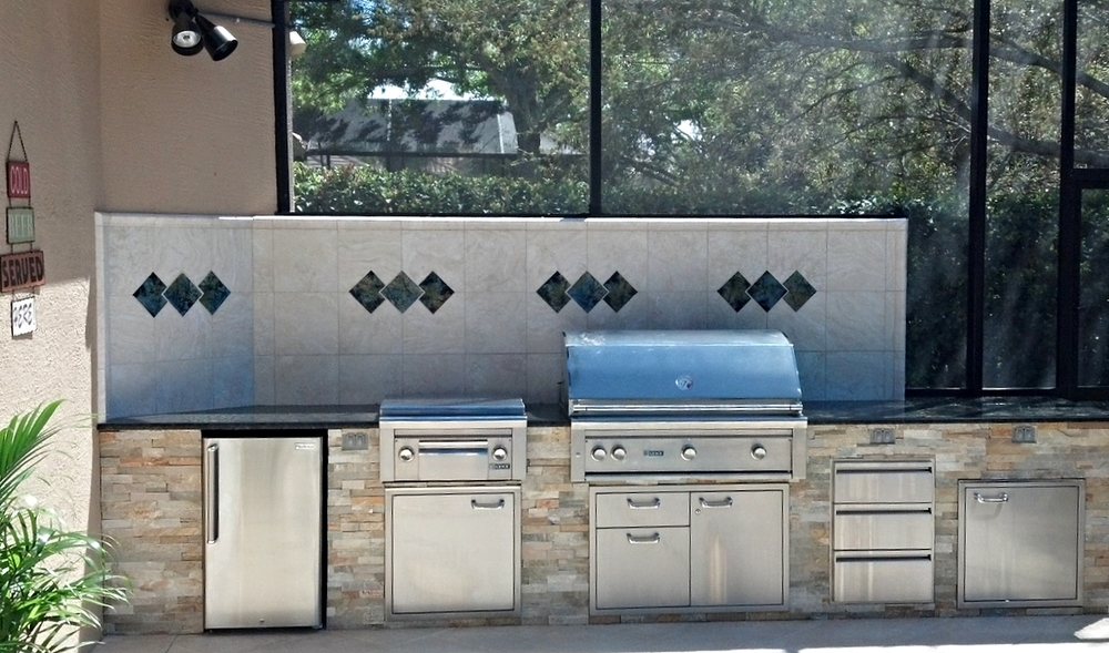 4 things to consider when building an outdoor kitchen - Things to consider when creating outdoor kitchens ...