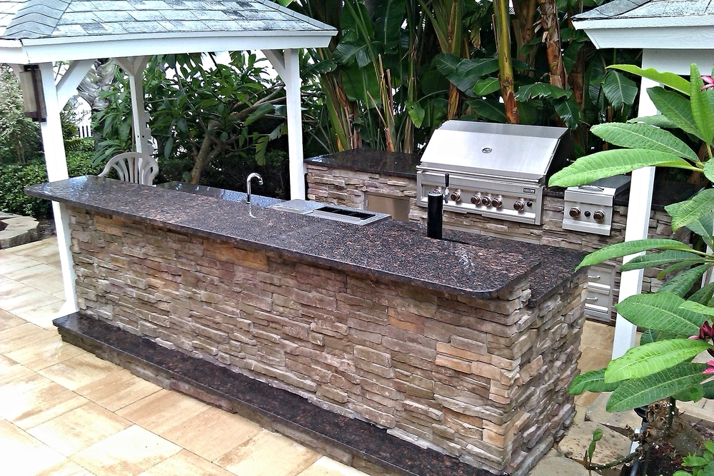 Are outdoor kitchens a good investment premier outdoor for Outdoor kitchen designs florida