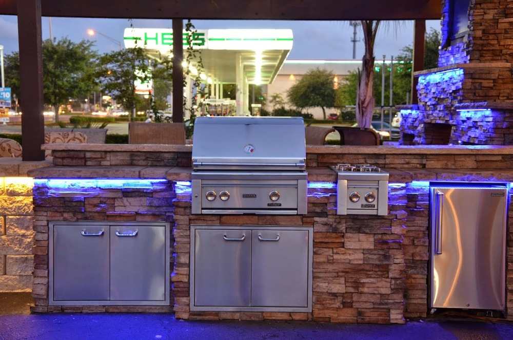 Dale Mabry Outdoor Kitchen Display 2