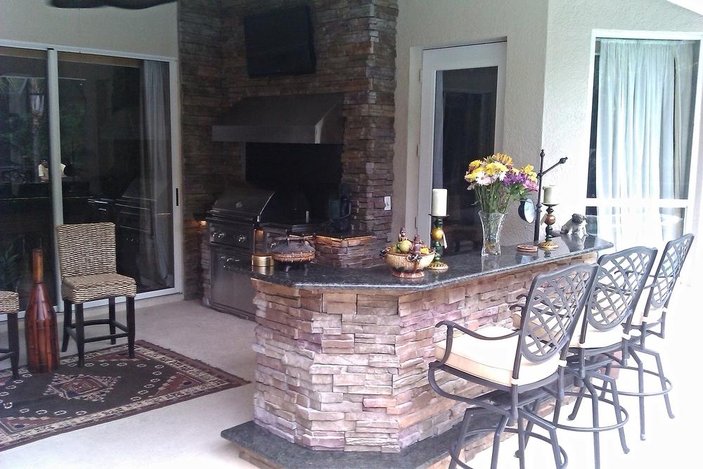 Haslam Outdoor Kitchen Peninsula