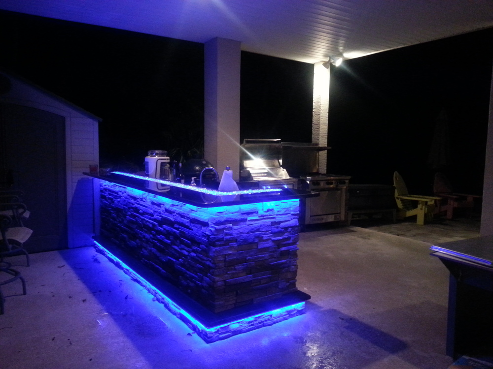 Outdoor kitchens with led lighting 36 photos premier for Kitchen led lighting