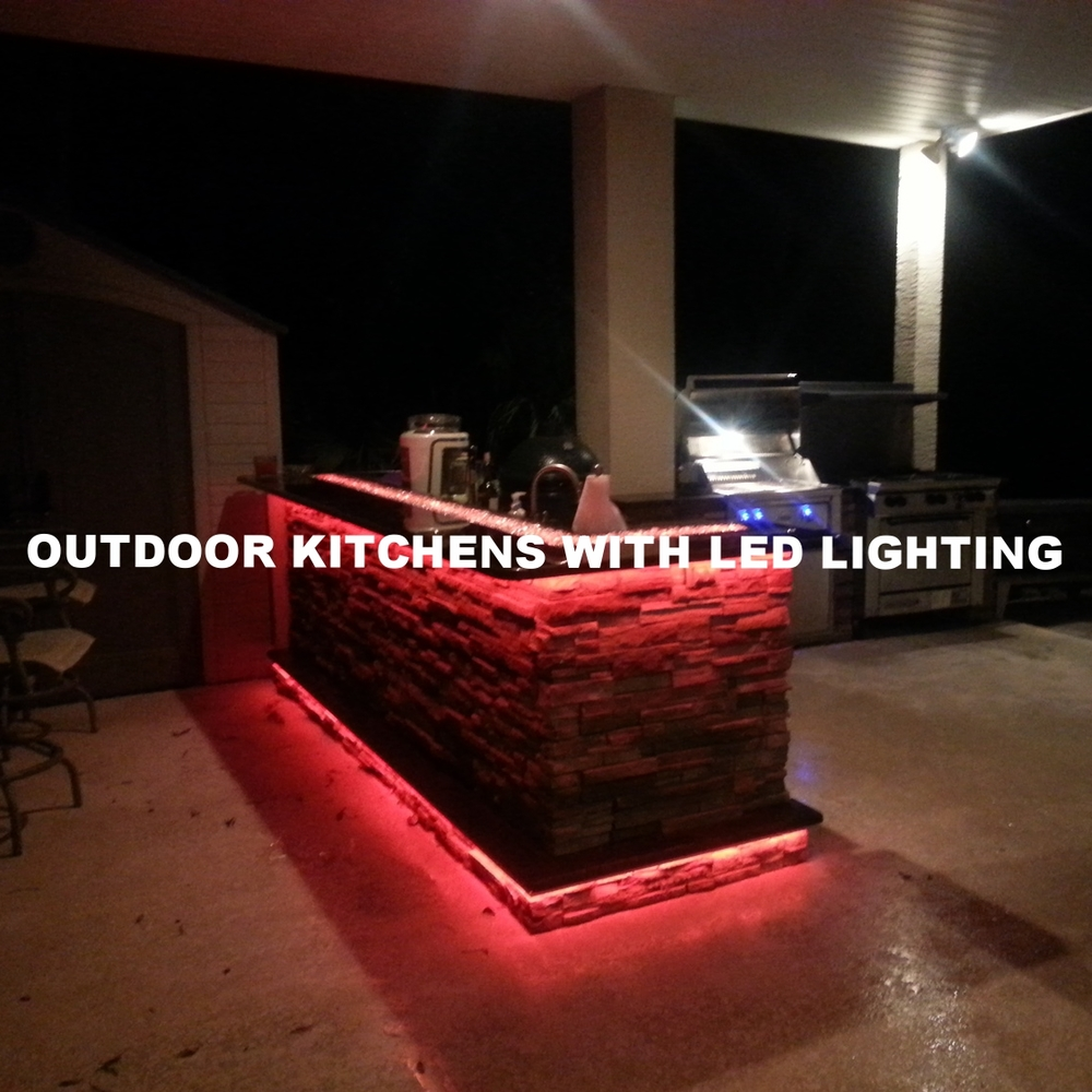 Outdoor Kitchens With LED Lighting (36 Photos)