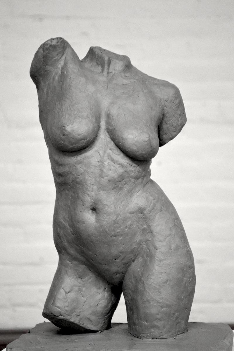 Contrapposto (counter pose) - torso in clay