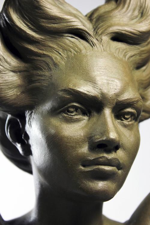Marian, detail