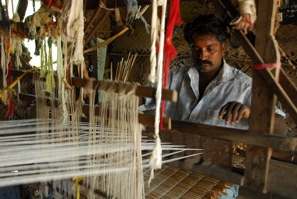 Rope provides global customers access to lifestyle products and home decor made by rural workers and artisans in India using natural fibres. Pic Courtesy – design21sdn.com