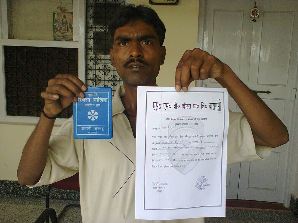 SMV helps rickshaw drivers procure necessary licenses in addition to owning their own rickshaw