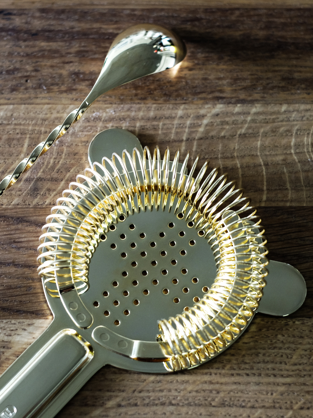 gold_strainer_stir