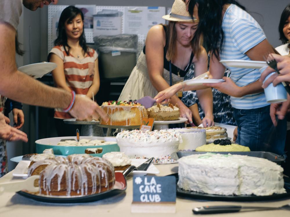Persimmon-Thyme-Upside-Down-Cake-11.jpg