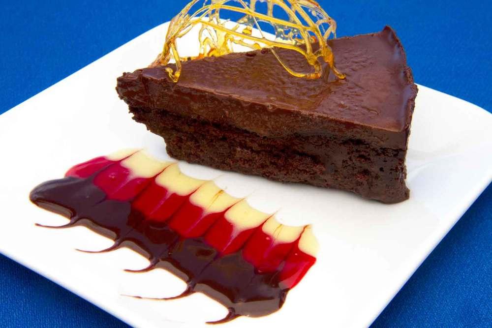 Divine Flourless Chocolate Cake!