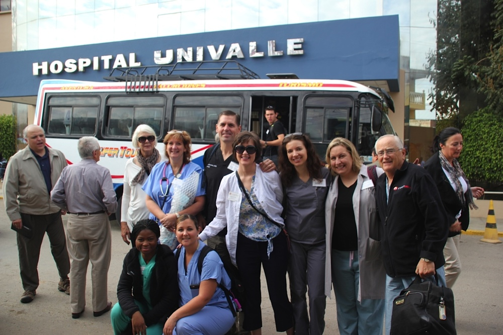 Mission Team's arrival at Univalle Hospital.