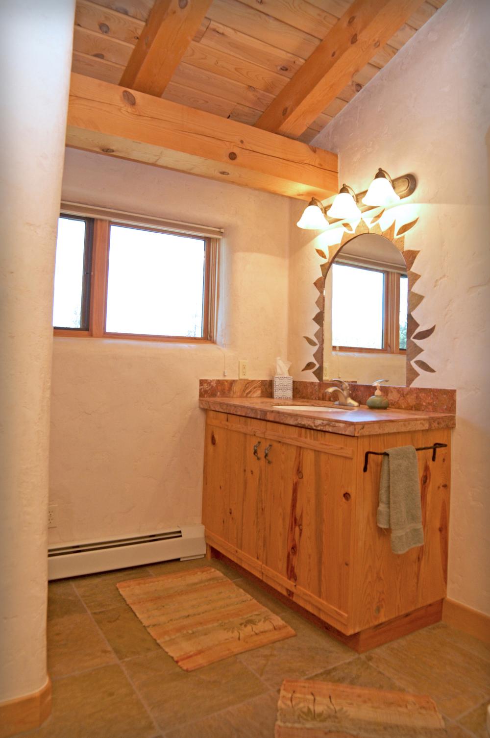 upstairsbathroom.jpg