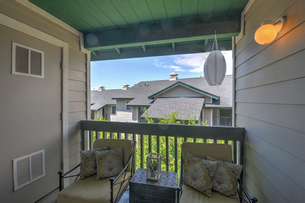 balcony4177.jpg