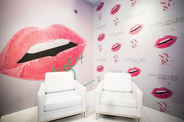 Stage is ready for conversation with @enews and @evamendes - beautiful graphic wall installations create the perfect backdrop 📸: @thelouiscollection