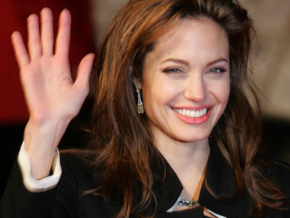 Angelina-Jolie-18.JPG