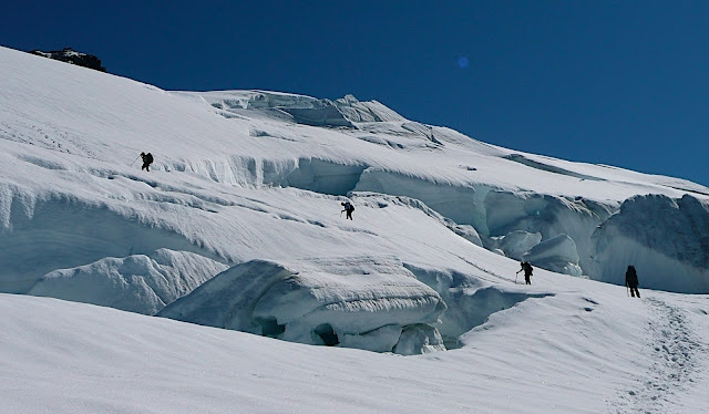 2008-GOI-Ascending Easton Glacier-Photo credit Maria Coryell-Martin.jpg