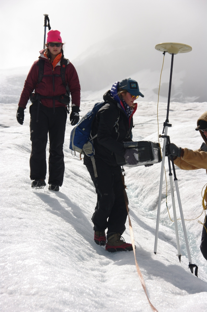 Conducting a radio echo survey on the ice