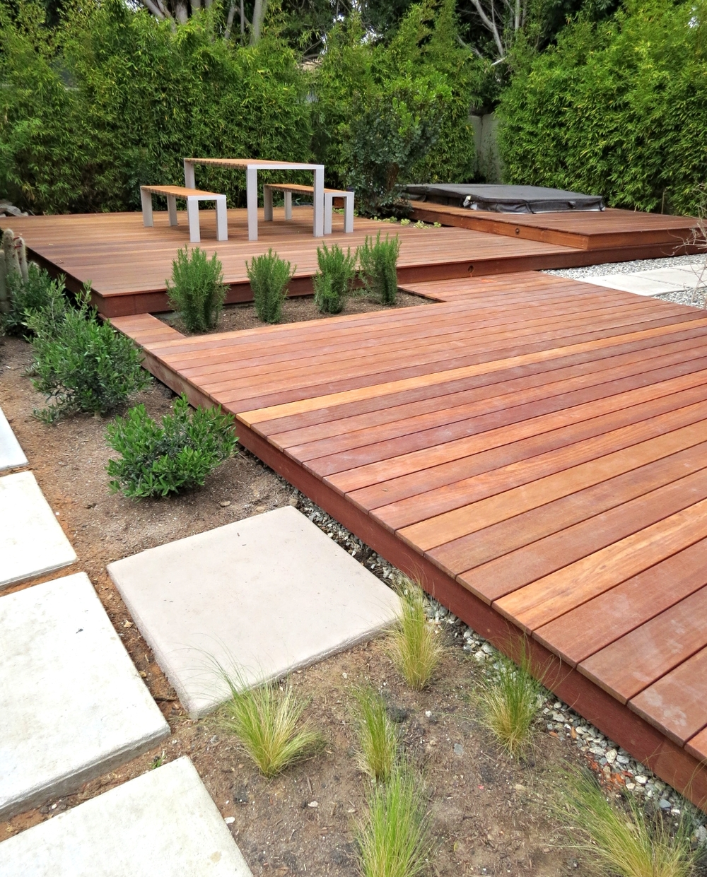 Lake Modern Deck And Table
