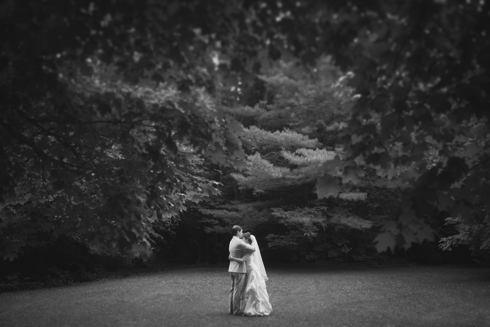 Melissa-Sung-Photography-Toronto-Wedding-Photographer-Outdoor-Private-Estate-Wedding040.jpg
