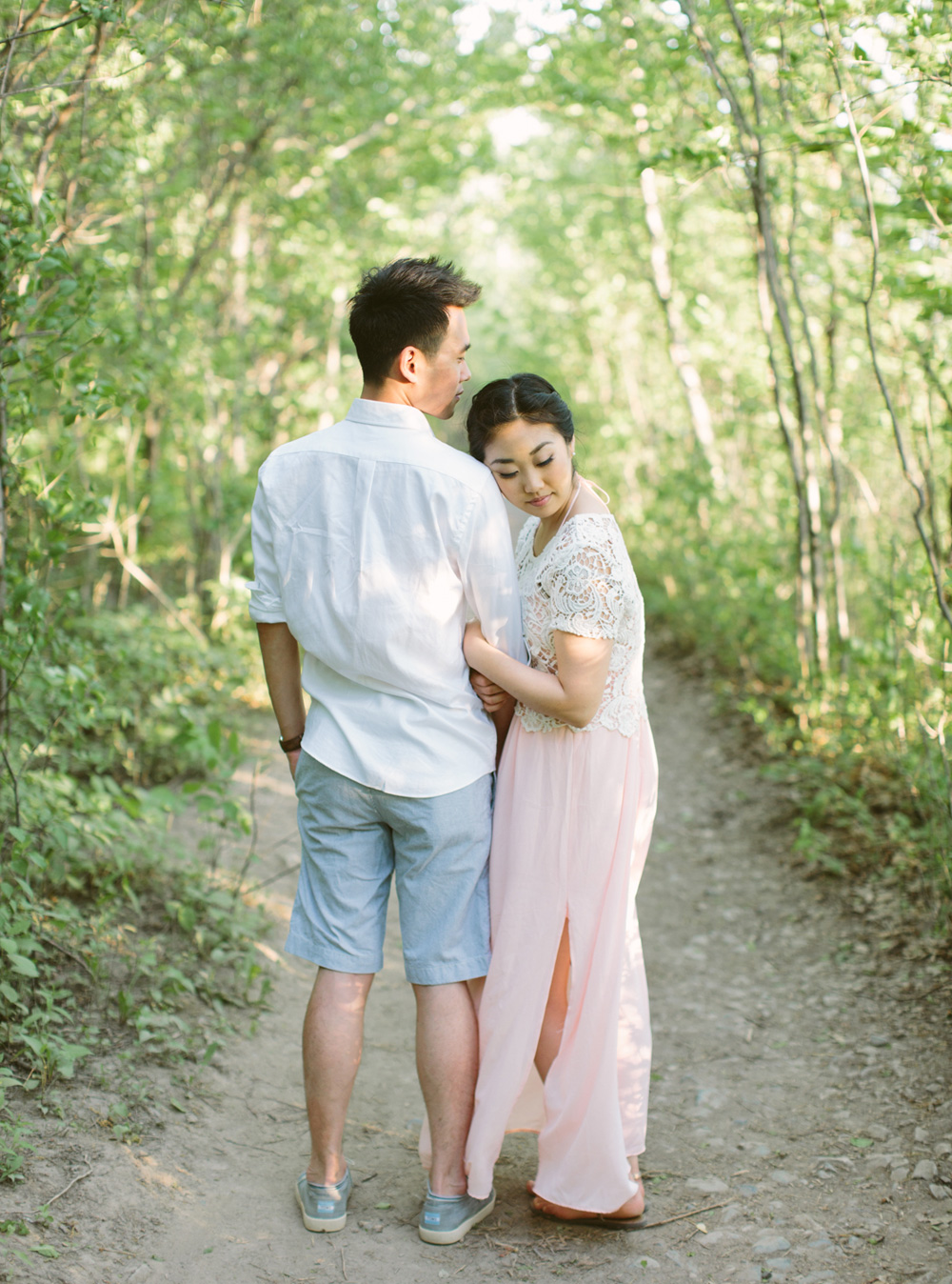 melissa-sung-photography-hamilton-coffeeshop-hike-adventure-engagement026.jpg