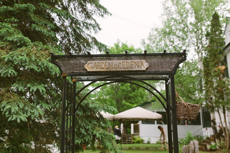 090-Melissa_Sung_Photography__Toronto_Wedding_Photographer_Intimate_Outdoor_Wedding_Muskoka_the_Good_Lovelies_Portage_Inn.jpg