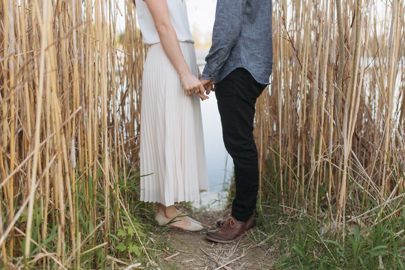 012-Melissa_Sung_Photography__Toronto_Portraits_Engagement_Photographer_Scarborough_Bluffs.jpg