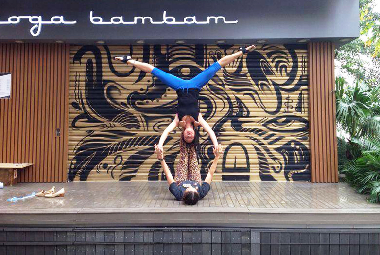 The Bam Bam gals turnin it upside down.