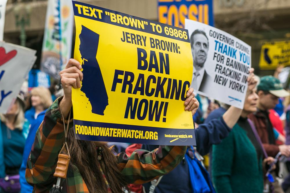 FrackingMarchBlog-38.jpg