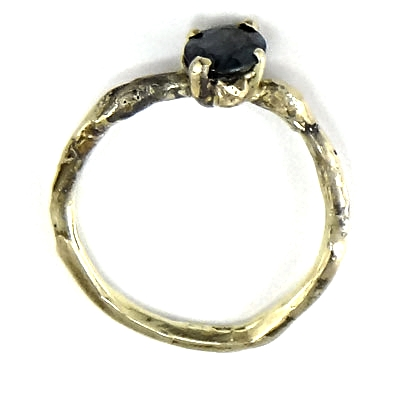 OnBedoeld takjes ring met blauwe saffier