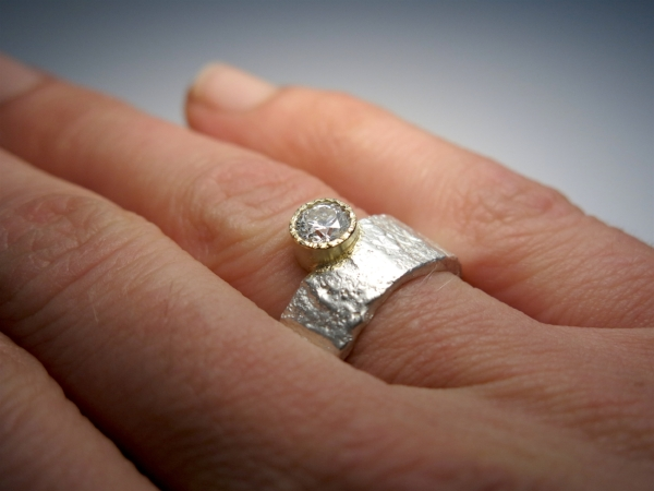 Vintage - look Passie ring met XXXjes and Chabuga 5mm diamond