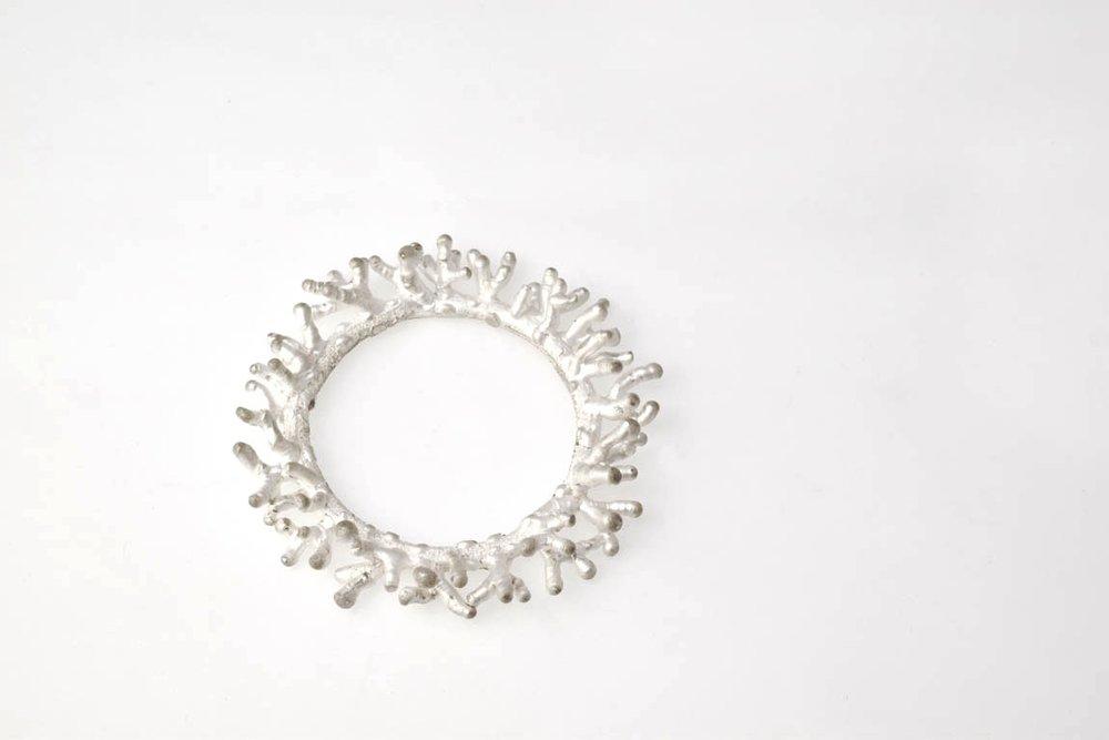 coral-brooch-circle-silver-edition1 kopie.jpg