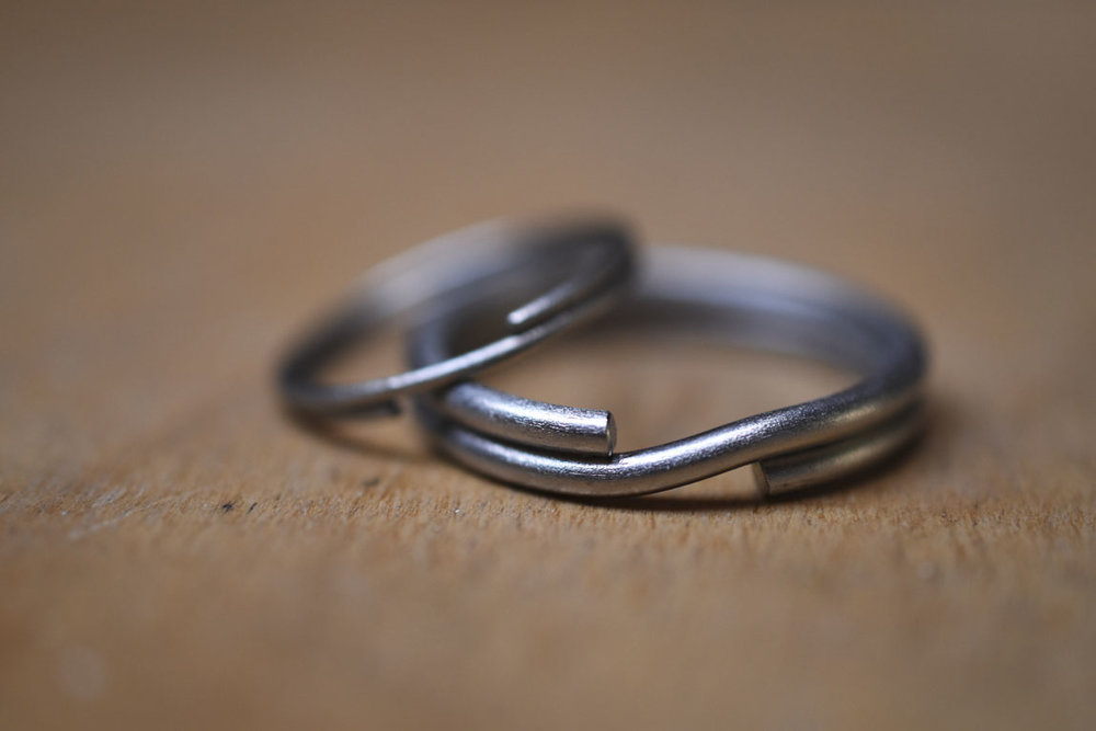 trouw-ringen-wedding-rings-keyrings-titanium-lady-gents-wood1150px.jpg